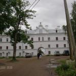 К паломнической гостинице