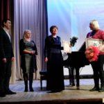 Поздравления от (слева направо): директора художественной галереи М.А.Черчинцева, начальника Управления культуры Т.Ю.Доцук и З.В.Коробковой